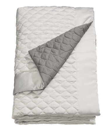 king queen quilted bedspread beige gray h m home h m us. Black Bedroom Furniture Sets. Home Design Ideas