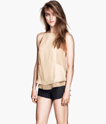 Top en satin sans manches