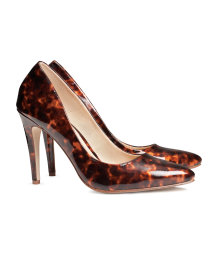 Tortoiseshell patterned courts