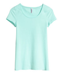 Basic short-sleeved top