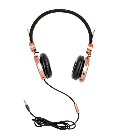 Overview as well Skull Coloring Pages 00384206 furthermore Anime Hund furthermore Easy 100 Watt Power  lifier besides Clipart DT68pKnT9. on best headphones