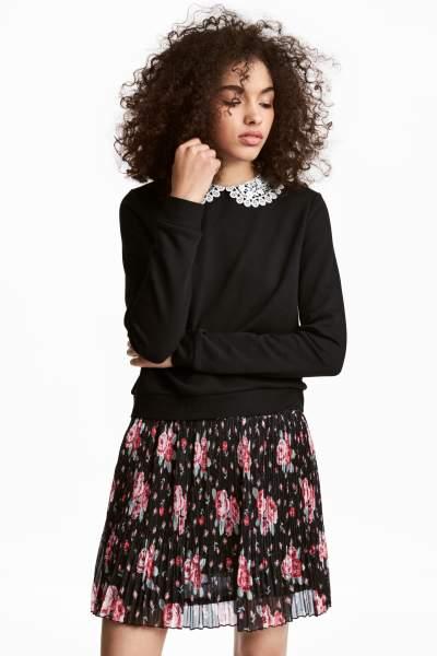 Lace-collared Sweatshirt