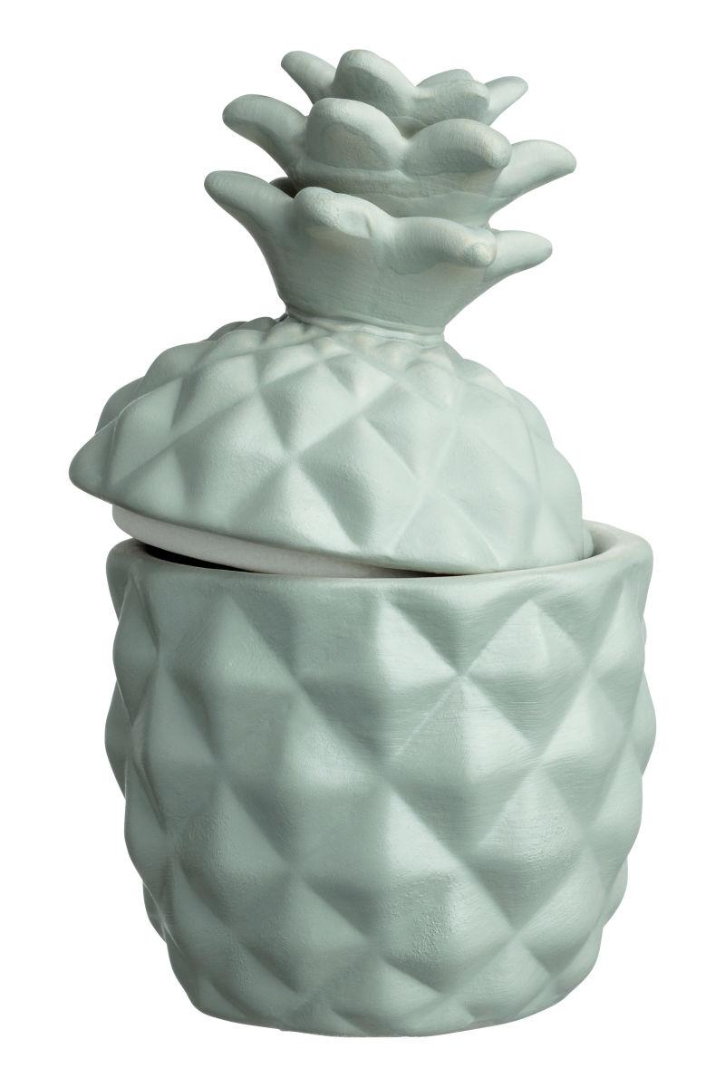 Velas como complemento en bote de cerámica - H&M Home