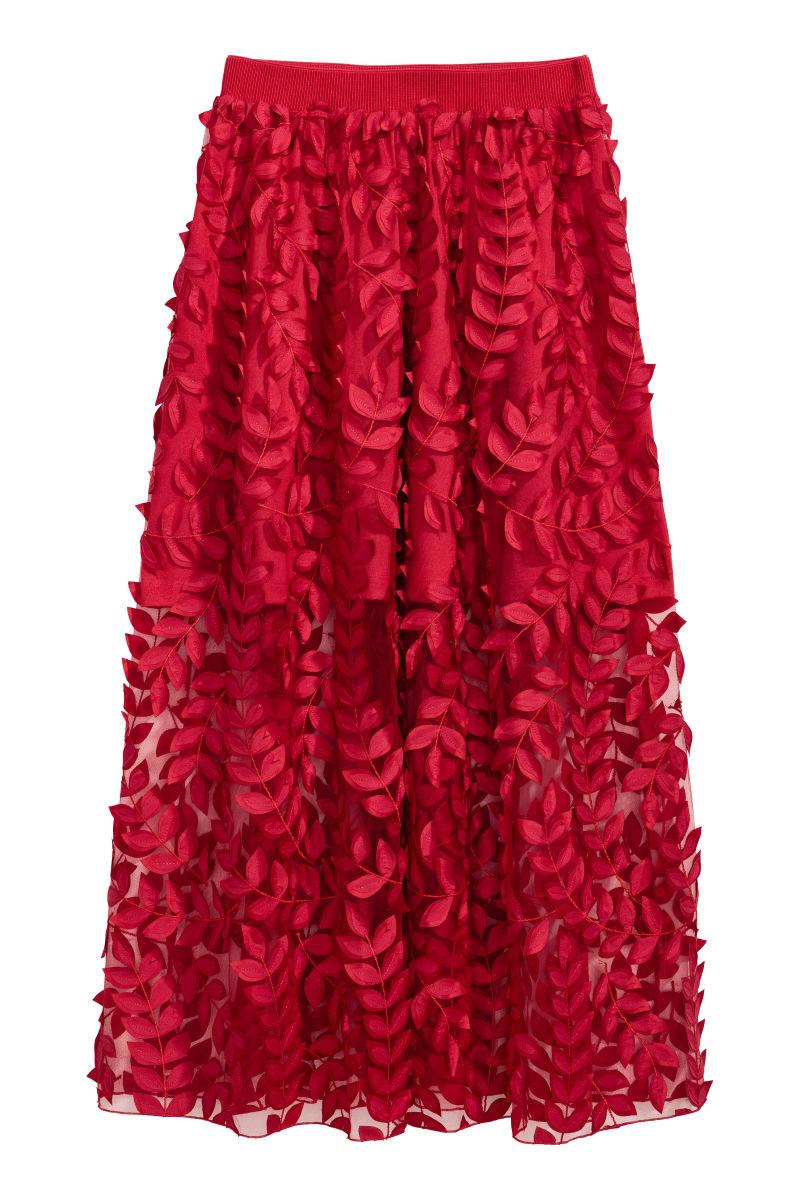 TOPSHOP embroidery denim skirt | DEICHMANN platform sneakers | H&M TREND  white shirt |