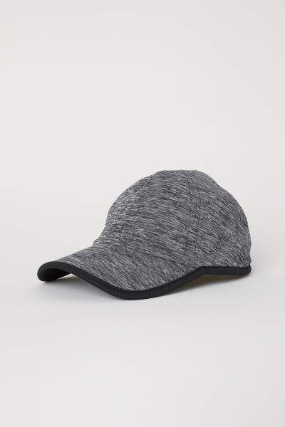 Seamless Sports Cap