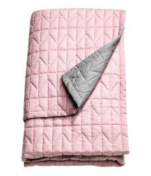king queen quilted bedspread pink gray sale h m us. Black Bedroom Furniture Sets. Home Design Ideas