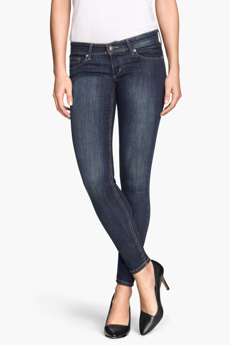 Diesel super Skinny Jeans for woman: the sexiest fit that perfectly adapts to your body. Feminine and confortable, try now Slandy and Skinzee-Low! Shop it together with all .